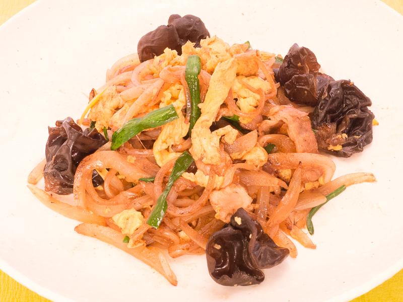 玉ねぎ・卵・豚の炒め675円
